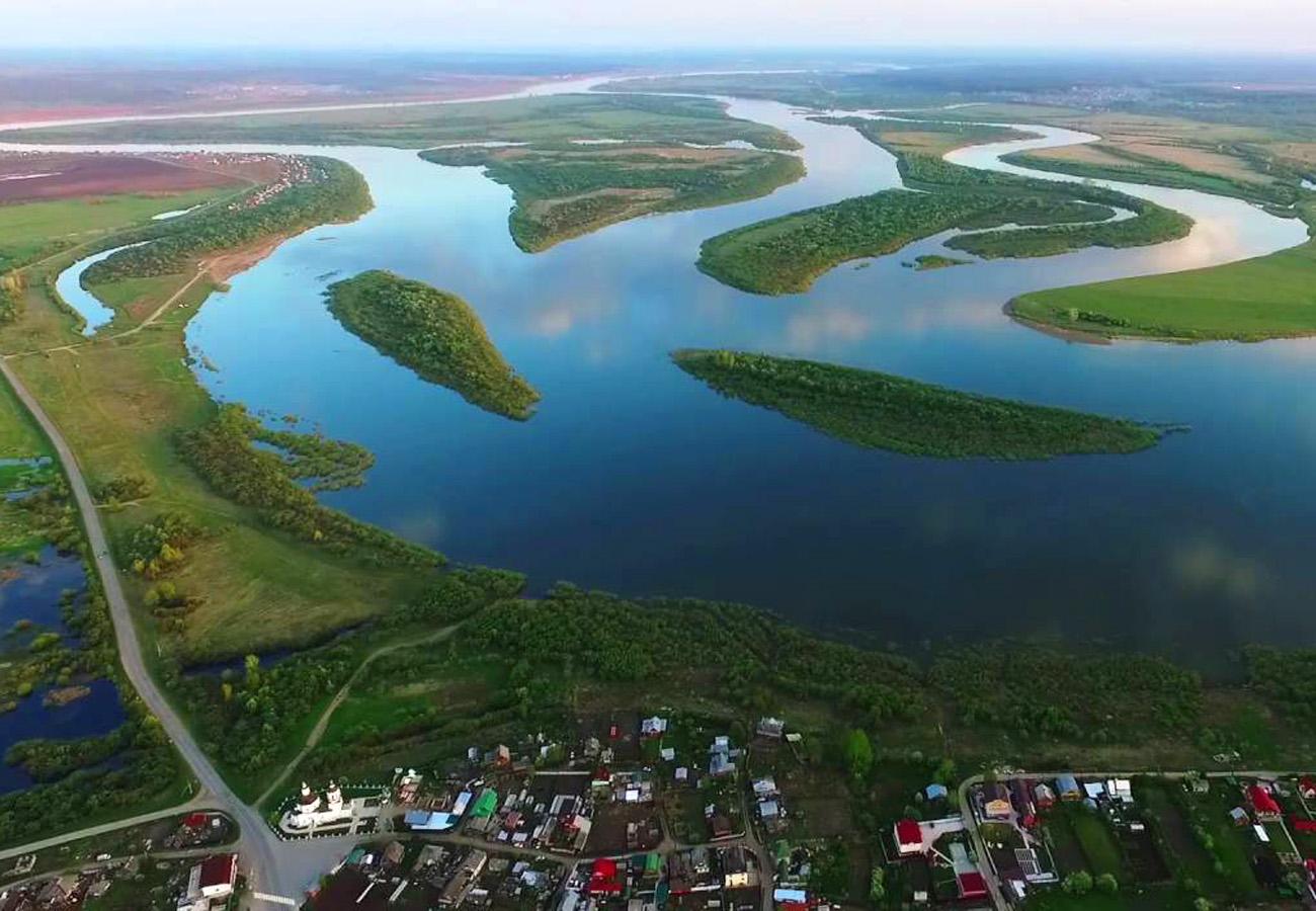 Вид на село Коларово с высоты птичьего полета